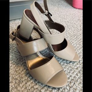 Life Stride chunky heel shoes NWOT